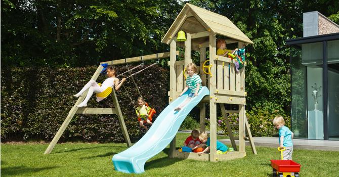 Otroško vrtno igralo Drevesna hiška je primerno za domačo uporabo. Igralo v svojem sklopu zajema: igralni stolp, lestev, tobogan, dodatni prostor pod stolpom – možnost ureditve peskovnika